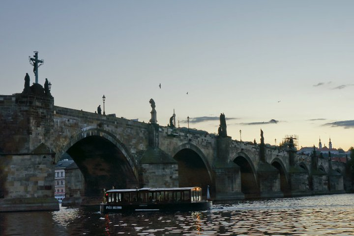 Charles bridge's statues